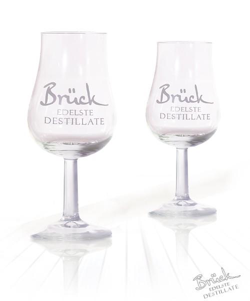 2 Brennerei Brück Gläser