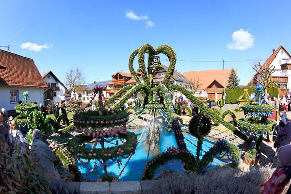 Bieberbach Osterbrunnen